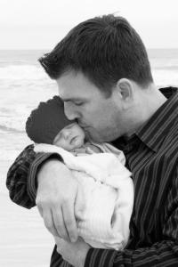 Baby-dad-663228_1920-200x300