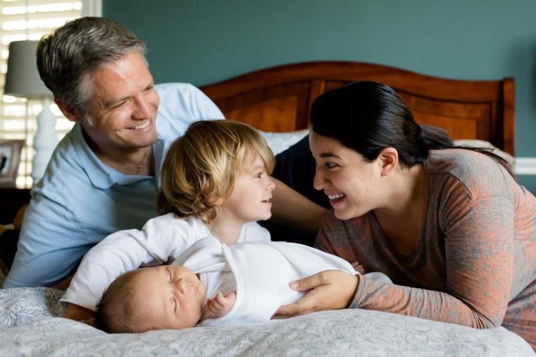 Baby-family-457235_1280-768x512