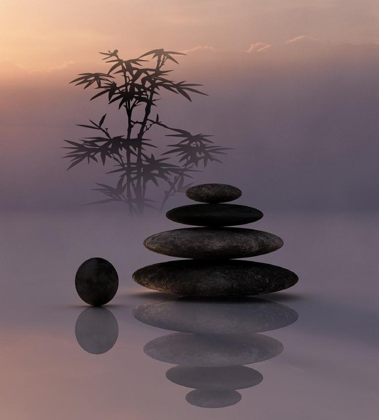 Healing-buddha-918073_1920-768x852