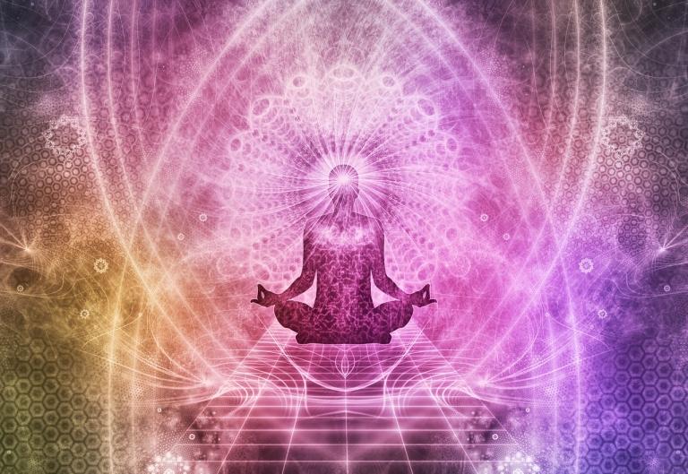 Healing-meditation-1384758_1280-768x529